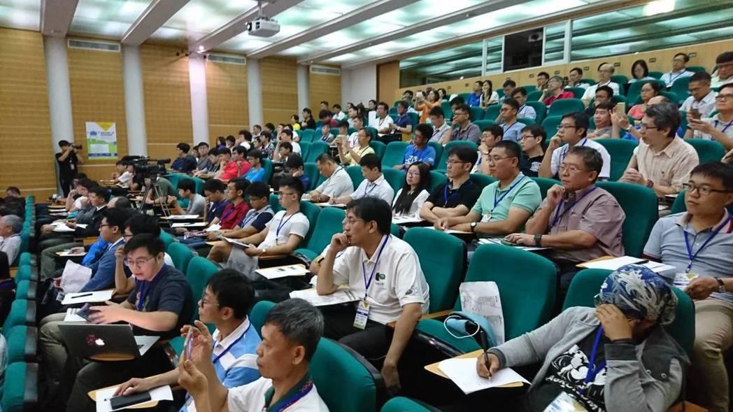 透過論壇給台南無人機產業可以發展,提升產業的國際競爭力。 洪紹晏/攝影