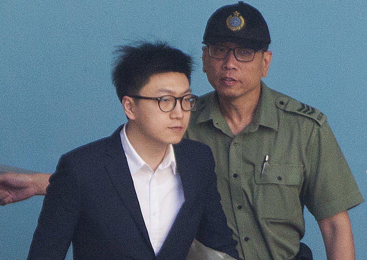 香港「本土民主前線」發言人梁天琦,在判刑前夕自白「最壞時代,人的責任更重要」。 ...