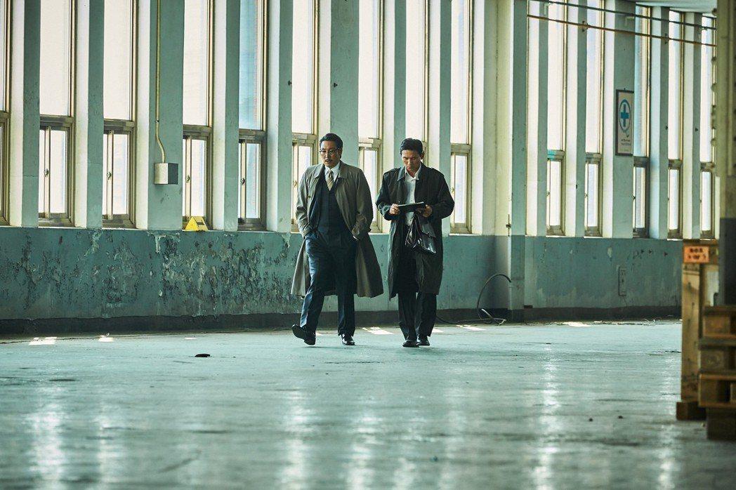 韓國電影「北風(The Spy Gone North)」由導演尹鍾彬執導,故事改