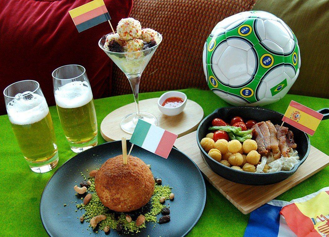 2018世界盃足球賽14日將於俄羅斯展開,不少飯店業者搶搭熱潮,除提供場所轉播賽...