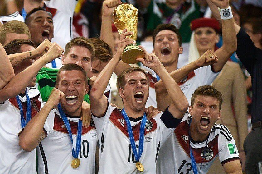 德國靠著長期的精密規畫,並大量採用高科技與大數據協助球員訓練,在上屆世足賽拿下冠...