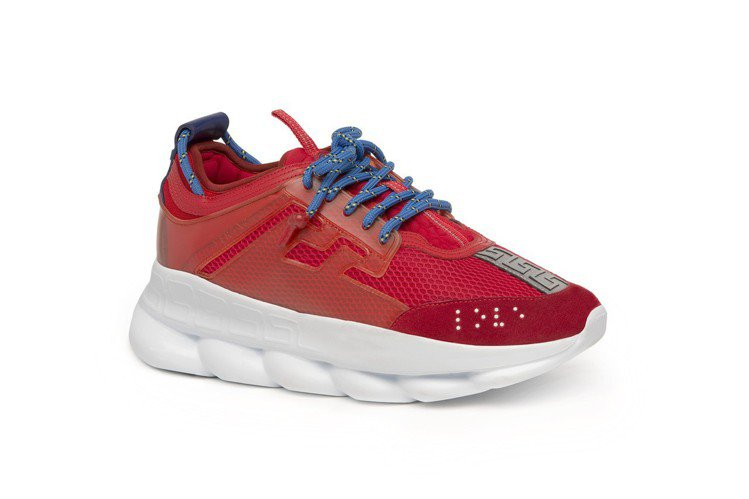 Chain Reaction紅色休閒鞋,32,000元。圖/VERSACE提供