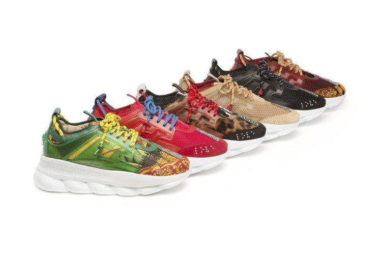 Chain Reaction包含許多品牌經典元素像是希臘回紋裝飾鞋面、梅杜莎圖騰...