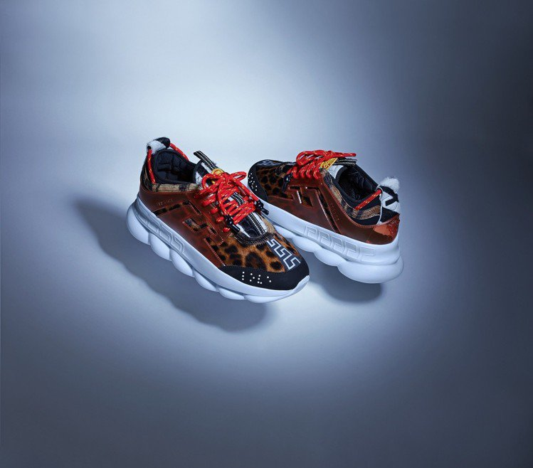 Chain Reaction豹紋休閒鞋,44,000元。圖/VERSACE提供