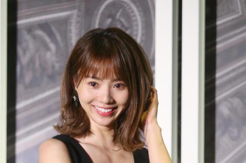 池端玲名、導演李行、卓苡瑄一同演出紅心字會公益微電影。
