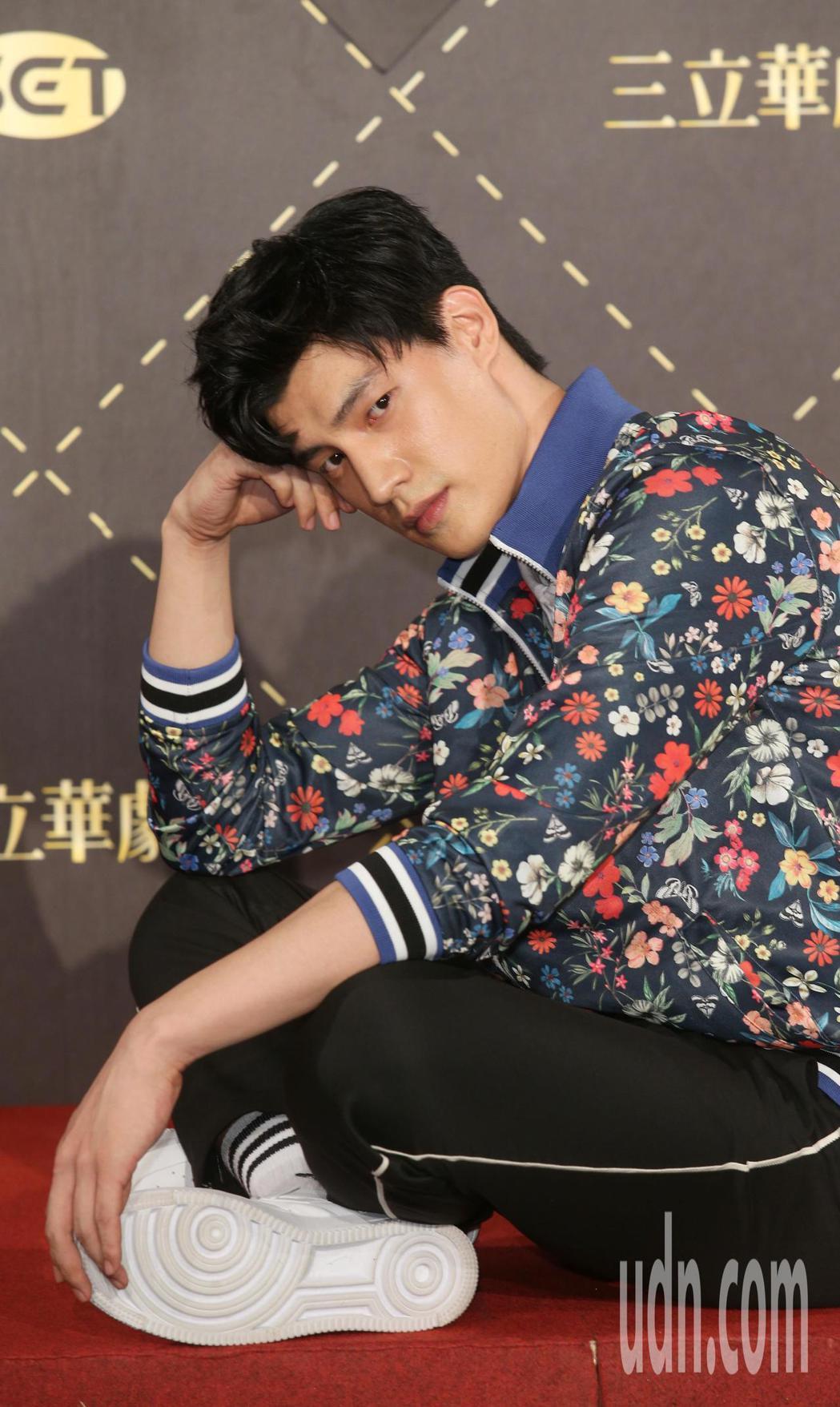 三立華劇「高校英雄傳」戲劇發布記者會,宏正退團SpeXial後,腳傷後復出,也要...