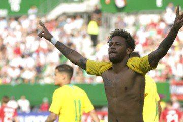 終結巴西16年等待 傳奇羅納度冀望內馬爾