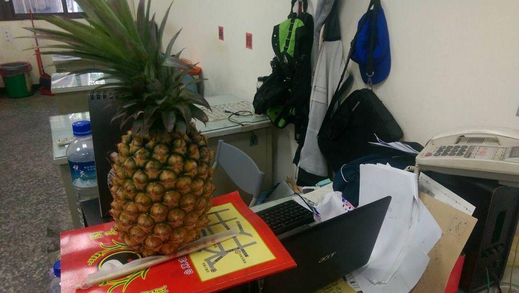 台東縣盛產鳳梨,但從事特殊職業工作的人,是想吃鳳梨又怕忌諱。記者尤聰光/攝影
