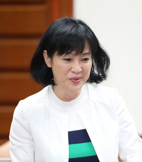 教育部長已懸缺15天,國民黨立委柯志恩(圖)在臉書發文指出,她上網google發...