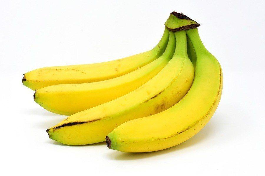 台北醫學大學附設醫院營養師李青蓉表示,香蕉鉀離子、糖分很高,但能安定神經。(ph...