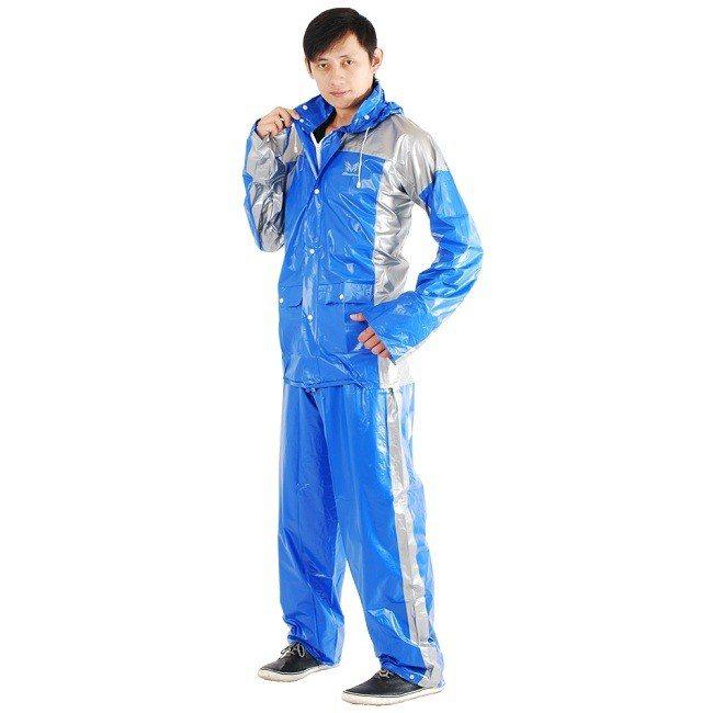 原價690元的東伸 極速先鋒機車型二件式雨衣,現在只要484元即可入手。圖由廠商...