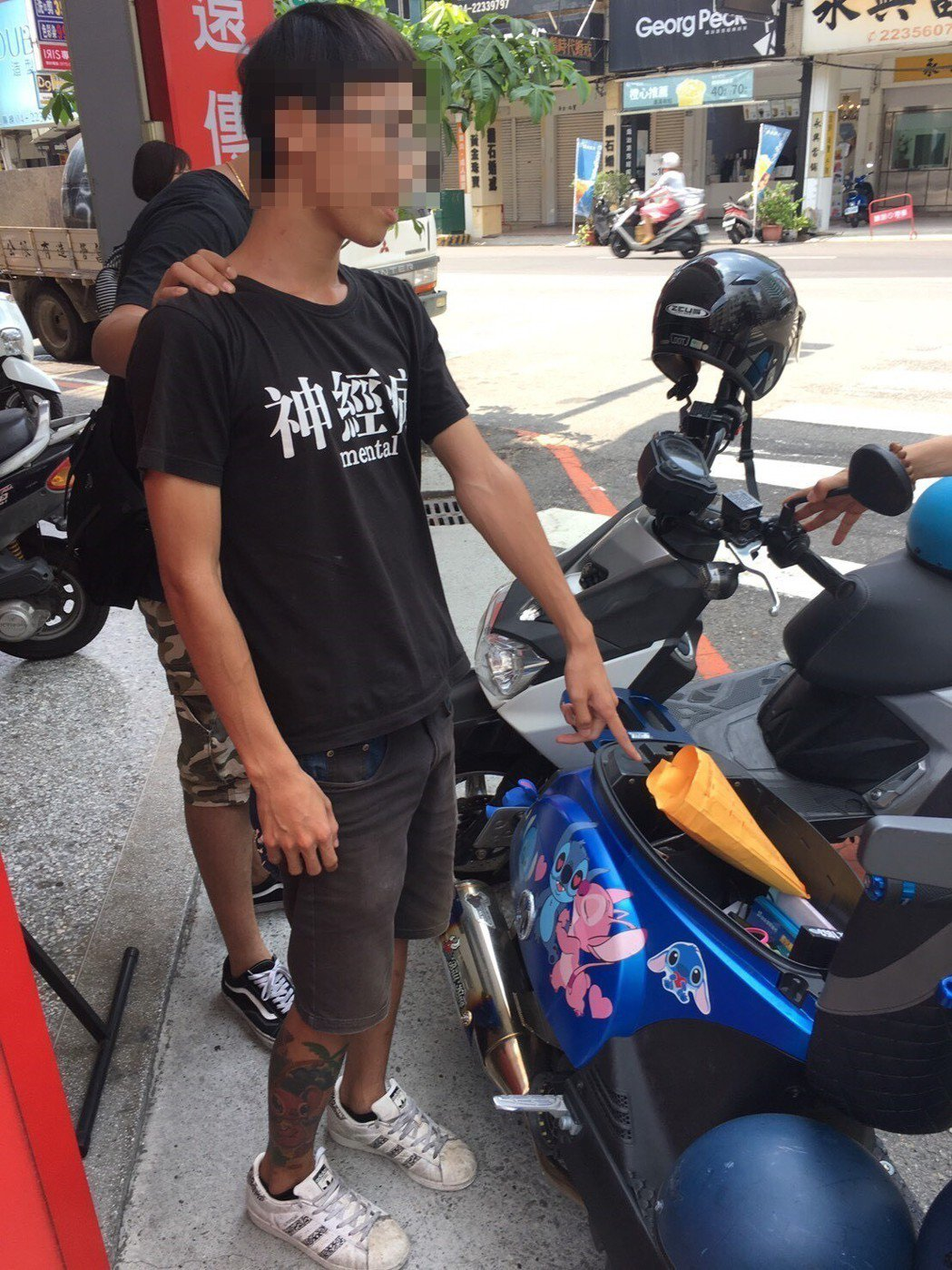 台中警方逮捕詐騙集團車手。記者游振昇/翻攝