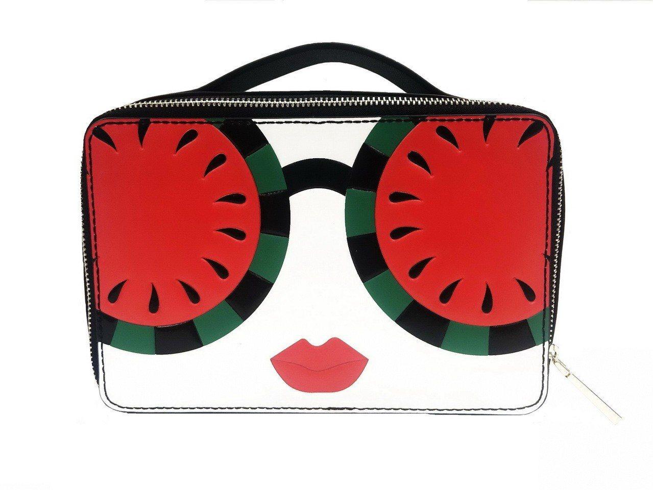 西瓜太陽眼鏡StaceFace皮革化妝包,6,500元。圖/alice + ol...