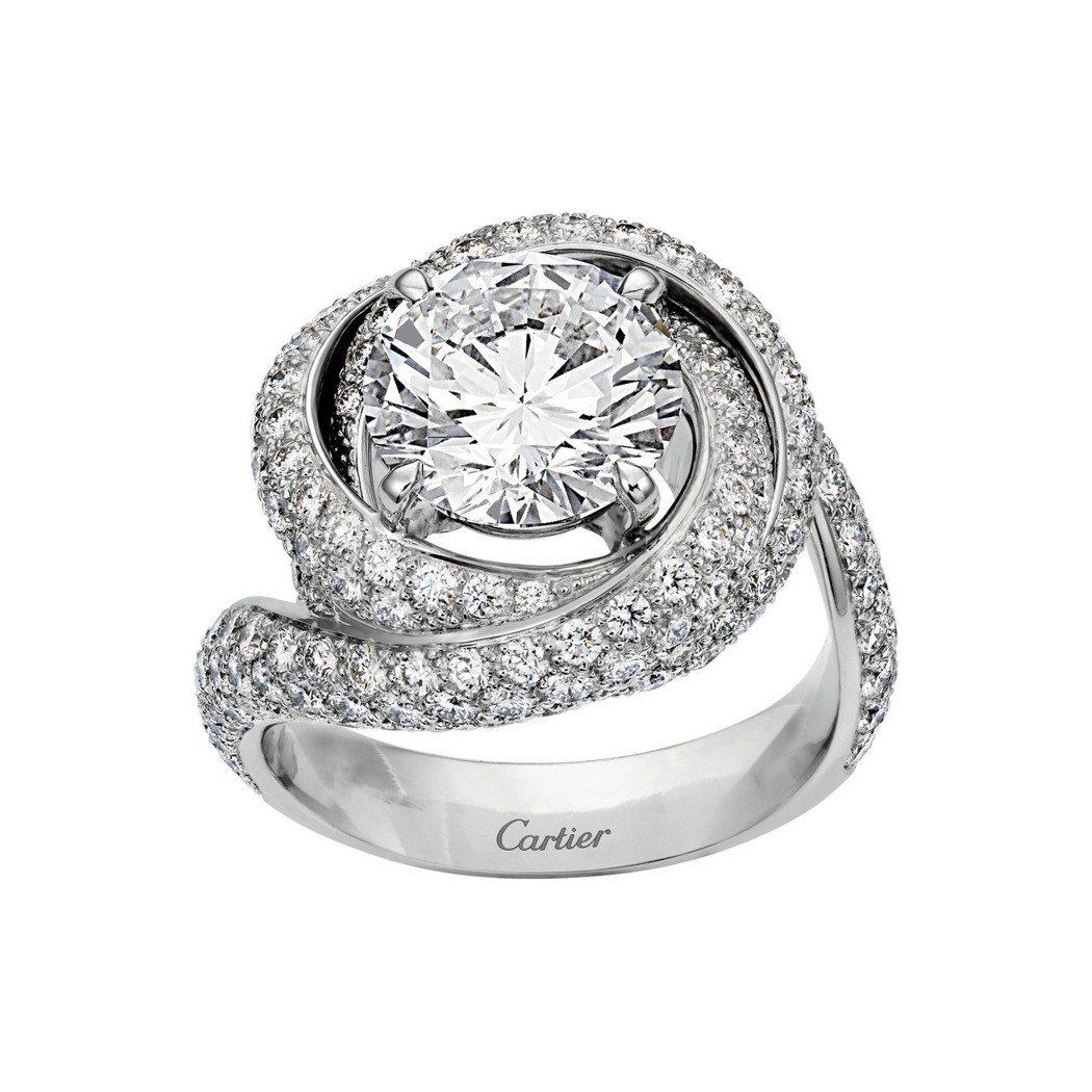 卡地亞Trinity Ruban單鑽戒指,鉑金鑲嵌一顆圓形明亮式切割鑽石,主石備...
