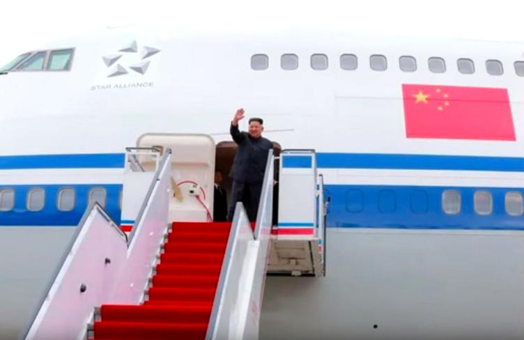 圖為北韓領導人金正恩10日搭乘中國出借的747專機前往新加坡出席「川金會」。圖(...