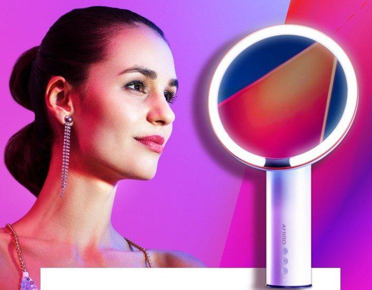 天貓官方amiro LED化妝鏡,年中慶狂歡價約台幣1,745元。圖/阿里巴巴提...