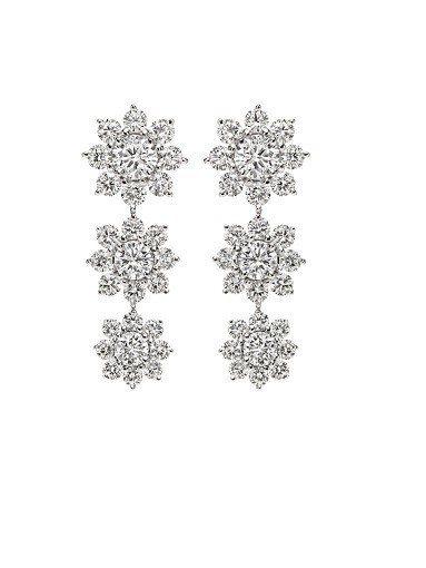 海瑞溫斯頓Sunflower系列三蕊鑽滴鑽石耳環,8顆圓形明亮式切工鑽石環繞於每...