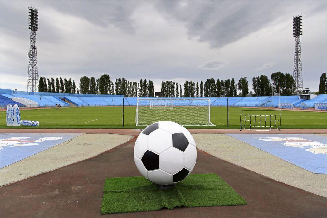 俄羅斯世界盃足球賽今天開幕,能不能讓政治歸政治,體育歸體育? (歐新社)