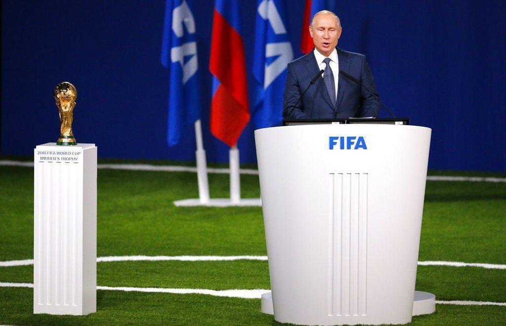 俄羅斯總統普亭打造史上最貴世界盃,就等開踢後外界一起檢驗。 美聯社