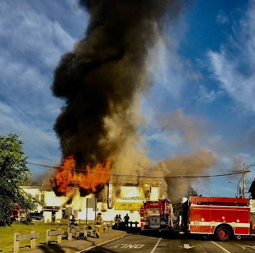 三級大火,NH中餐館倒塌。 唐嘉麗