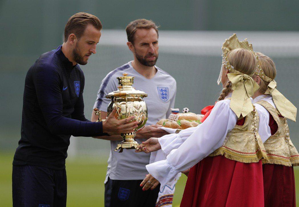 英格蘭開心迎接世界盃比賽。 美聯社