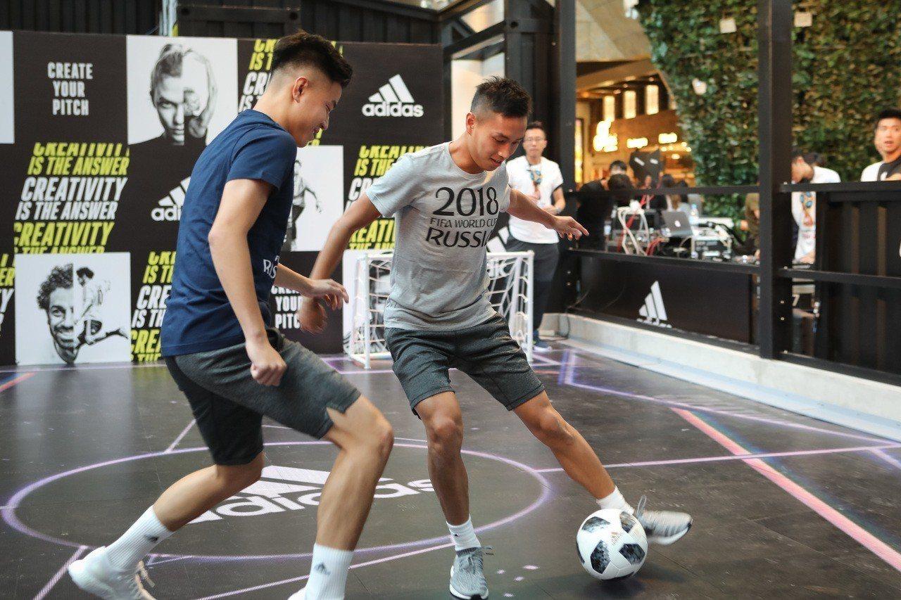 四年一度的世界杯足球賽14日揭幕,有不少茶餐廳直播賽事吸客,也有不少球迷表示會到...