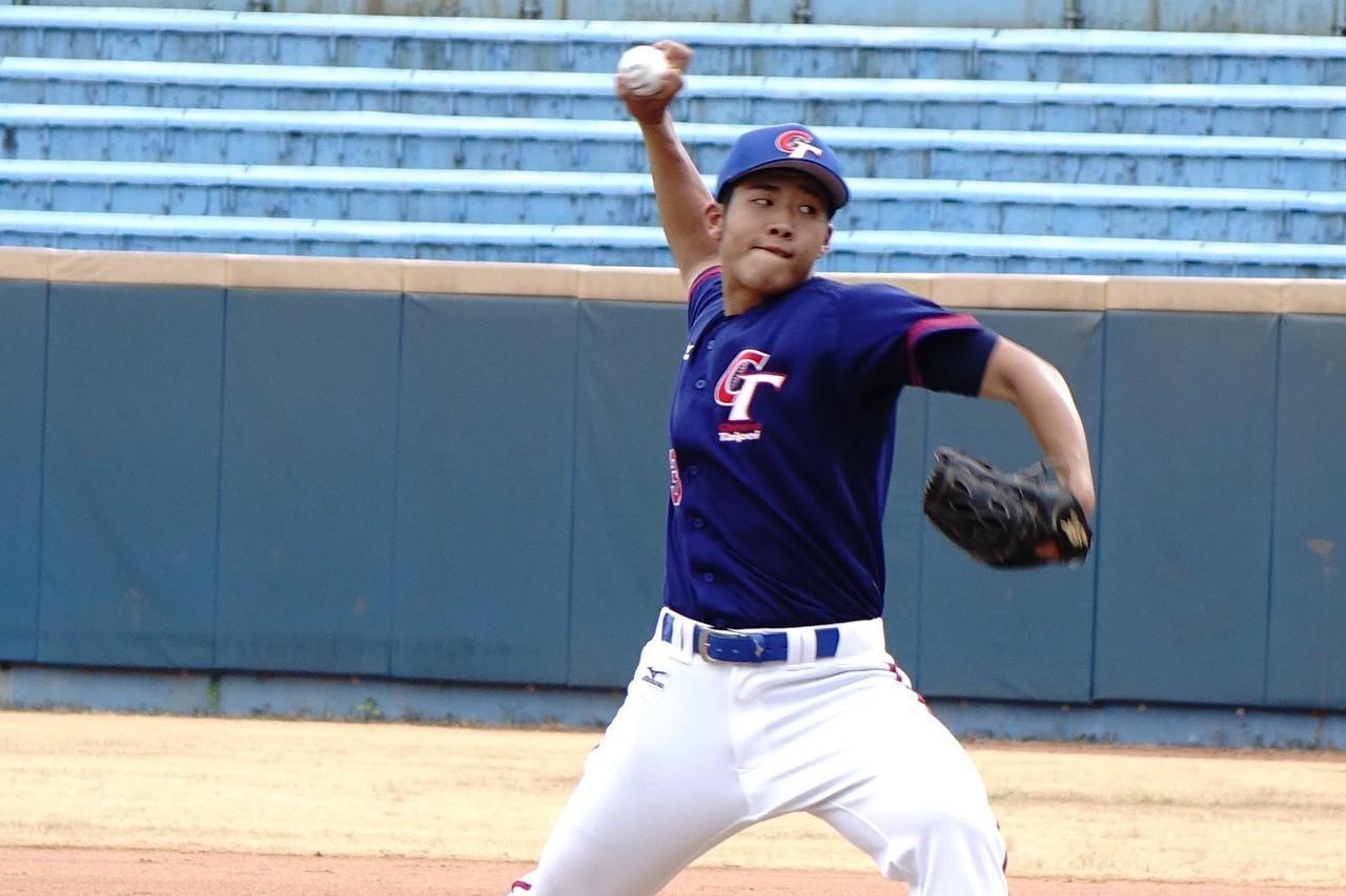 世大棒中華培訓隊蔡易廷(圖)是國內少見的蝴蝶球投手,從國中開始模索,直到大四才漸...