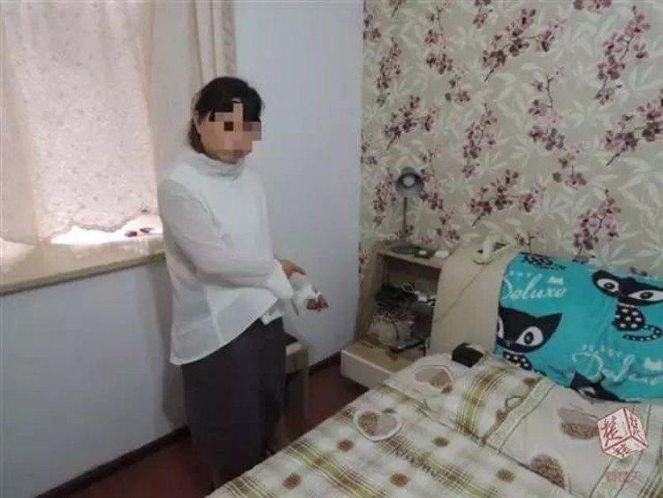 大陸武漢一名男子與24歲的女子王芳交往4年,日前家中首飾遭竊,警方懷疑是女友所為...