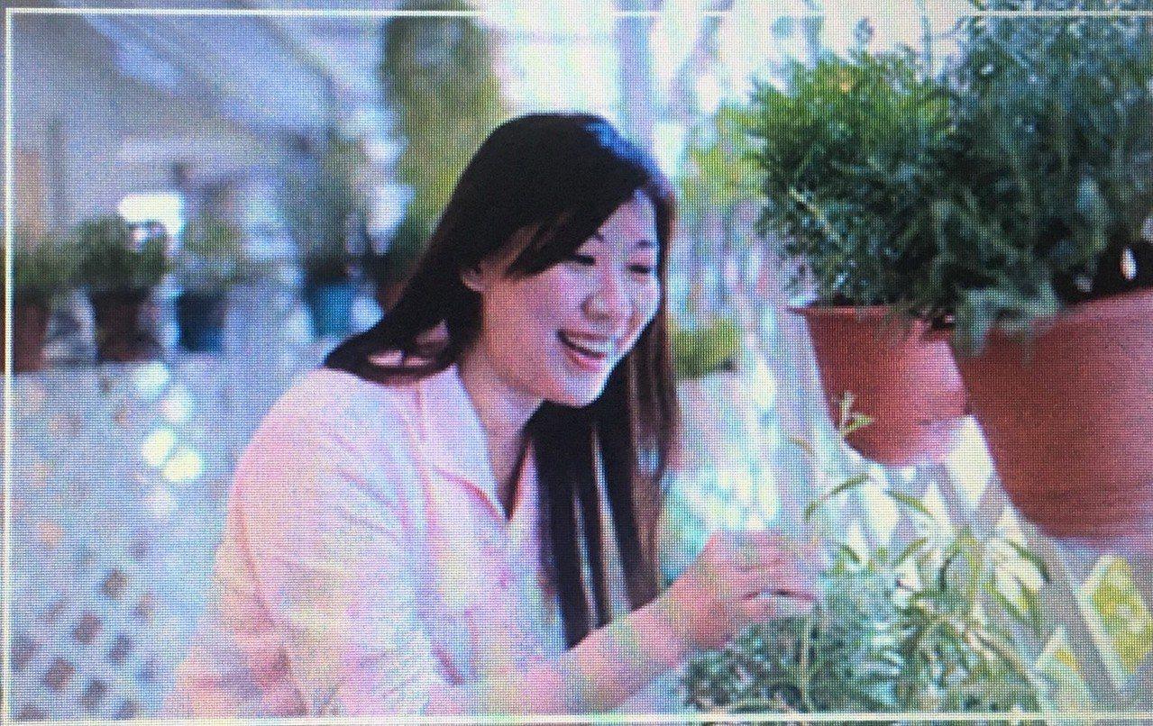 李淳濂塑造出香氛家族的獨特氣味與深化植物細胞的運用。 CAREIN,香草精油學苑...
