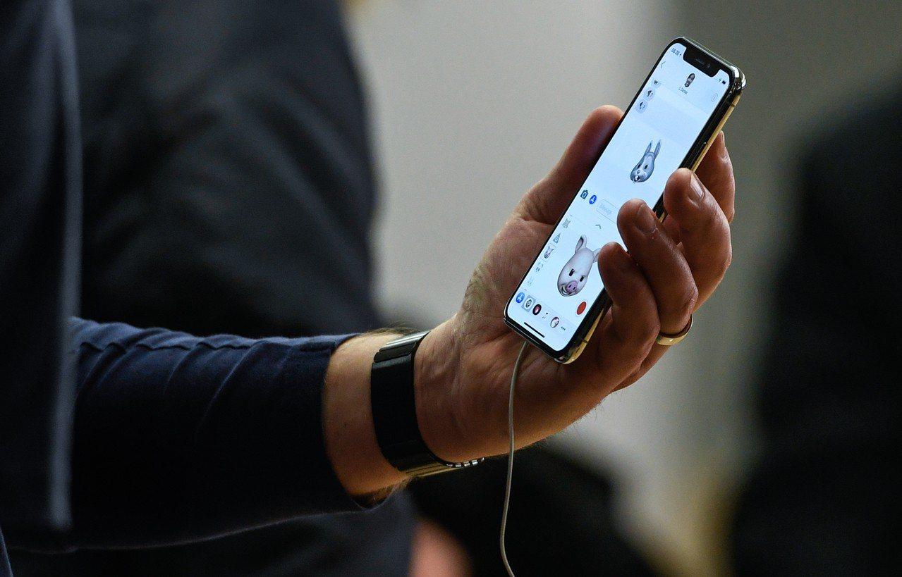 最近有一部分用戶更新上月發布的iOS 11.4後,反變成電量消耗極快,而紛紛湧進...