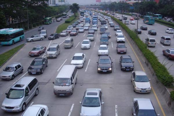 高速公路局表示,這次端午只放3天,算是短假期,大約是平常交通量的1.5倍。圖/W...