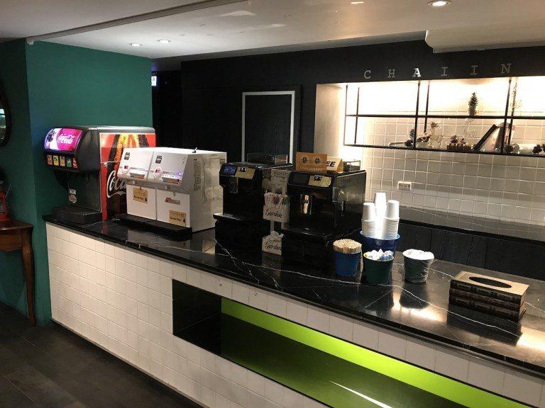 飲料區有咖啡、熱水跟冷飲機可以使用 圖文來自於:TripPlus