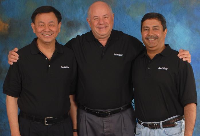 SanDisk於1988由3位美國移民(由左至右) Jack Yuan(台灣)、...