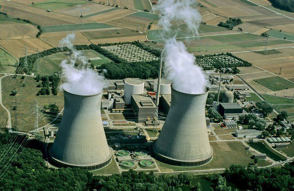 圖1 : 火力電廠排放煙氣中的碳比例過大,要完全去除難度非常高。(source:...