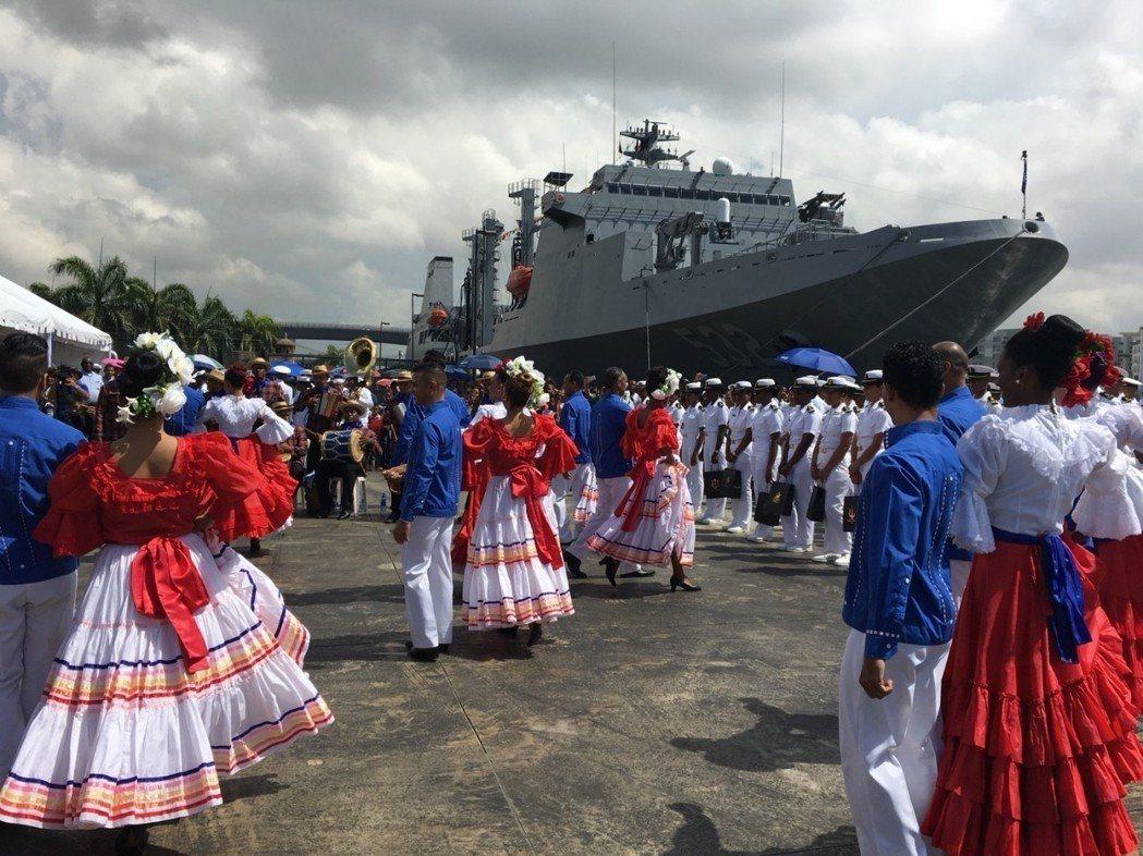 敦睦艦隊於4月19~21日訪問多明尼加,當時受到熱烈歡迎,不料十天之後,多國政府...