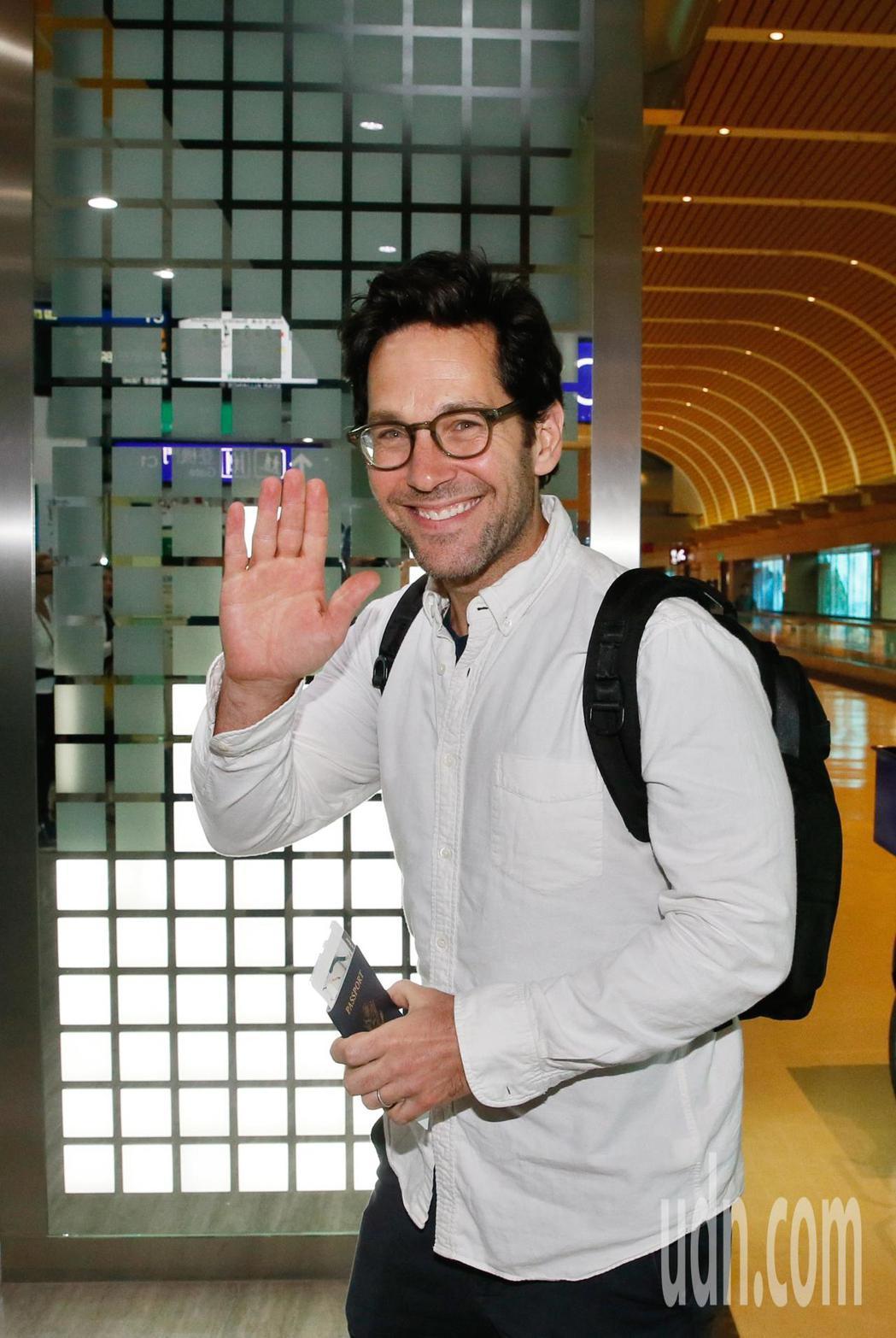 好萊塢男星「蟻人」保羅洛德(Paul Rudd)上午離台,在桃園機場接受訪問時表...