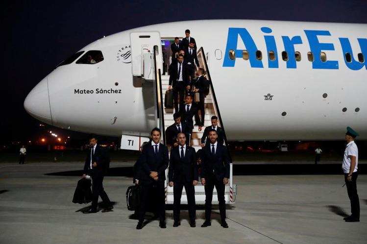 西班牙隊日前抵達俄羅斯。圖/摘自Saudi Gazette