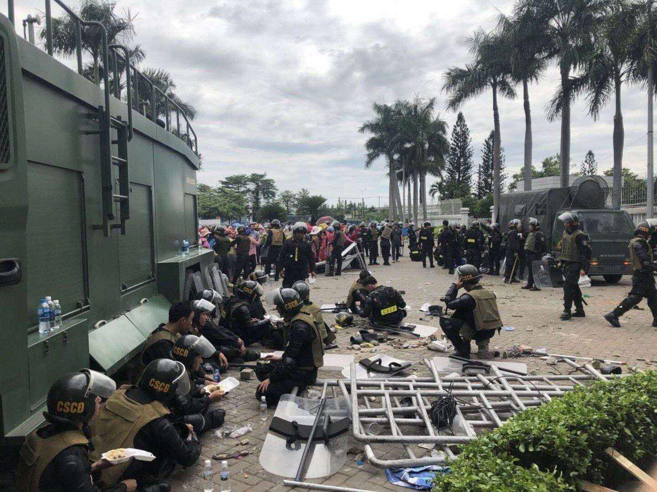 越南工潮,知名鞋廠遭攻擊。圖/台商提供