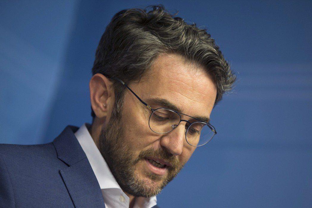 西班牙文化體育部長伍爾達遭爆曾逃稅數萬歐元而遭罰款,他13日宣布辭職,避免波及西...