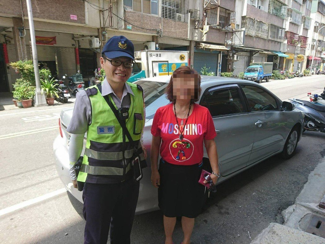台中市西屯區藍姓女子前天中午向警方求助,稱錢包失竊,但最後在藍女轎車內找到錢包,...