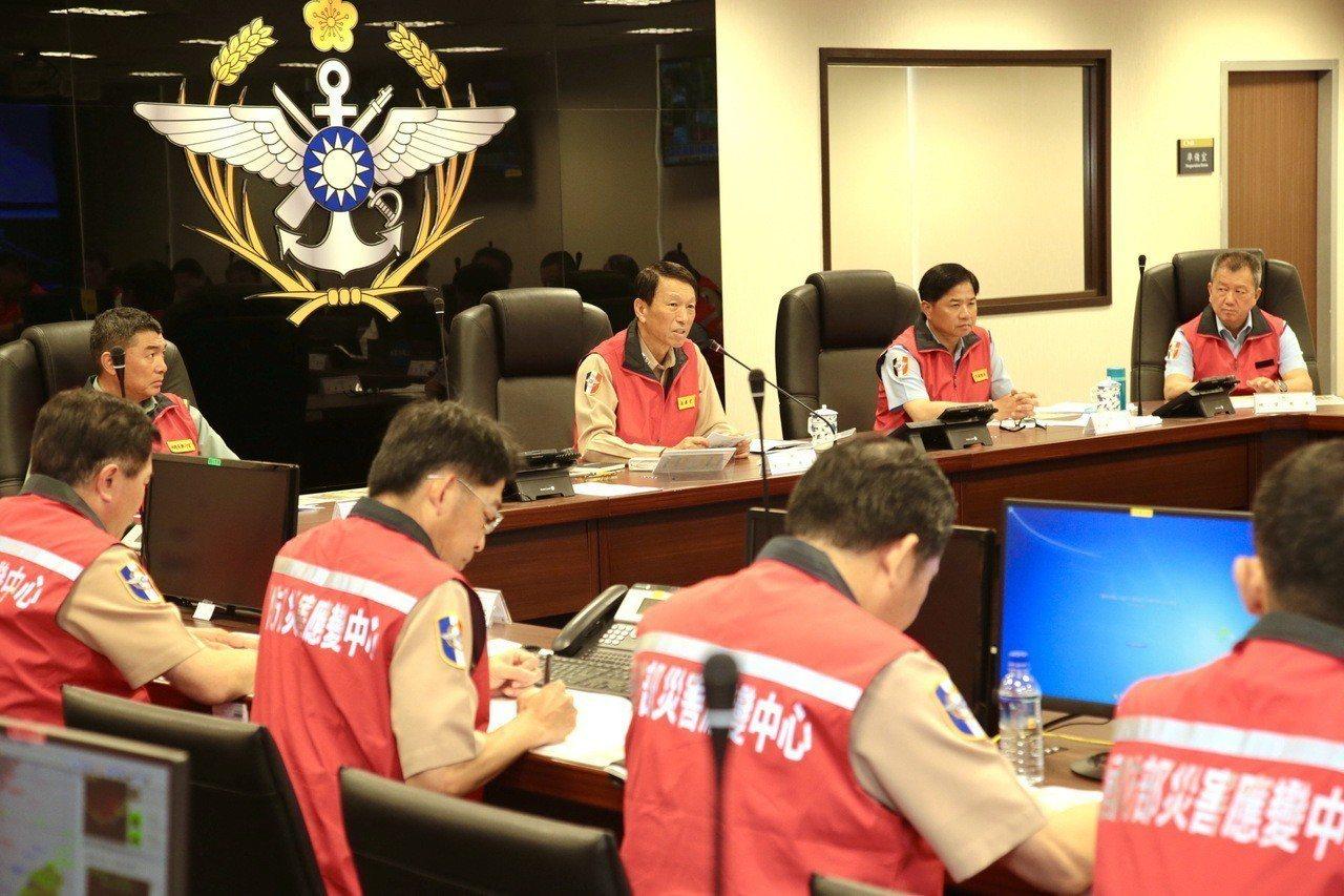 參謀總長李喜明上將6月13日主持國軍107年防汛整備會議。國防部提供