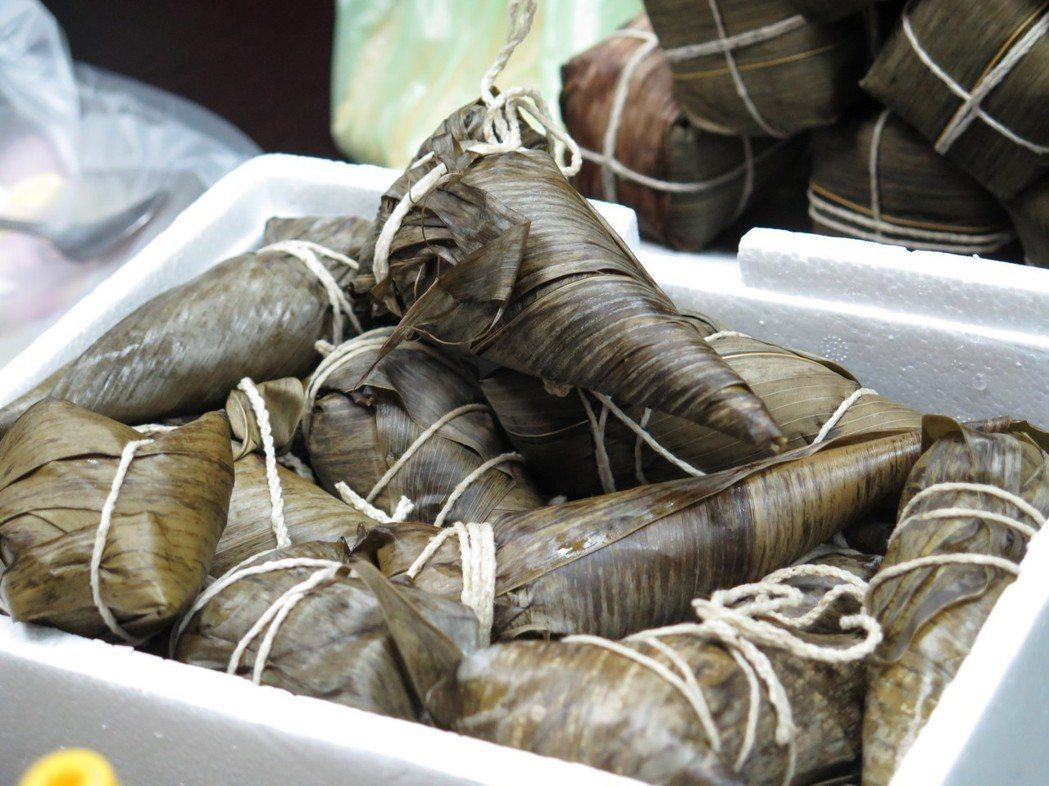 緬甸華人也吃粽,粽子如霜淇淋外型,相當特別。記者張裕珍/攝影