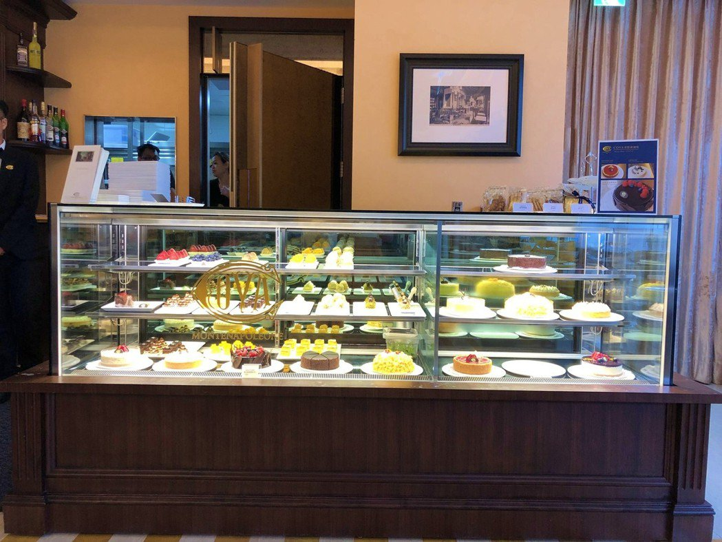 COVA現場可以看到擺設各種精美甜點櫃。記者魏妤庭/攝影