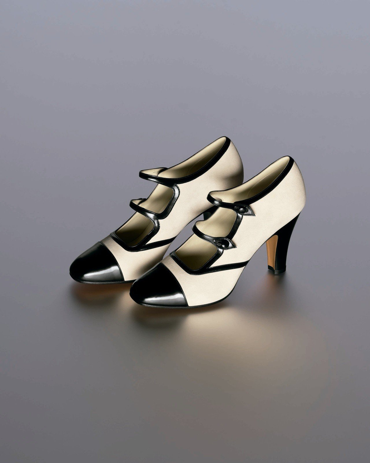 Ferragamo特選Creations博物館系列限量ASSOLUTA鞋款。圖/...