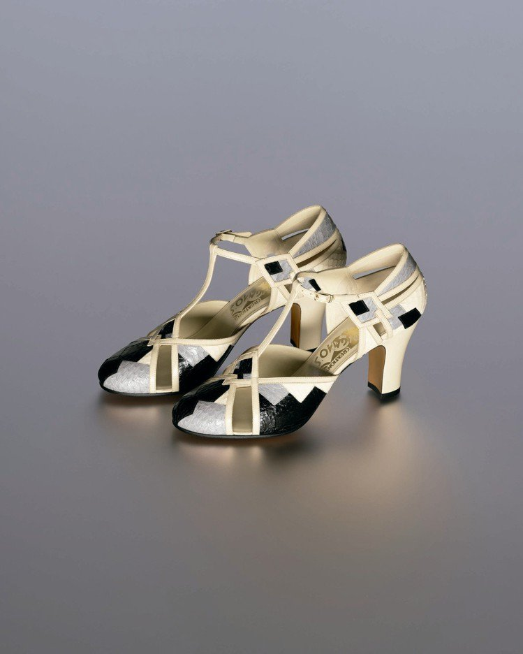 Ferragamo特選Creations博物館系列限量FOXTROT鞋款。圖/迪...