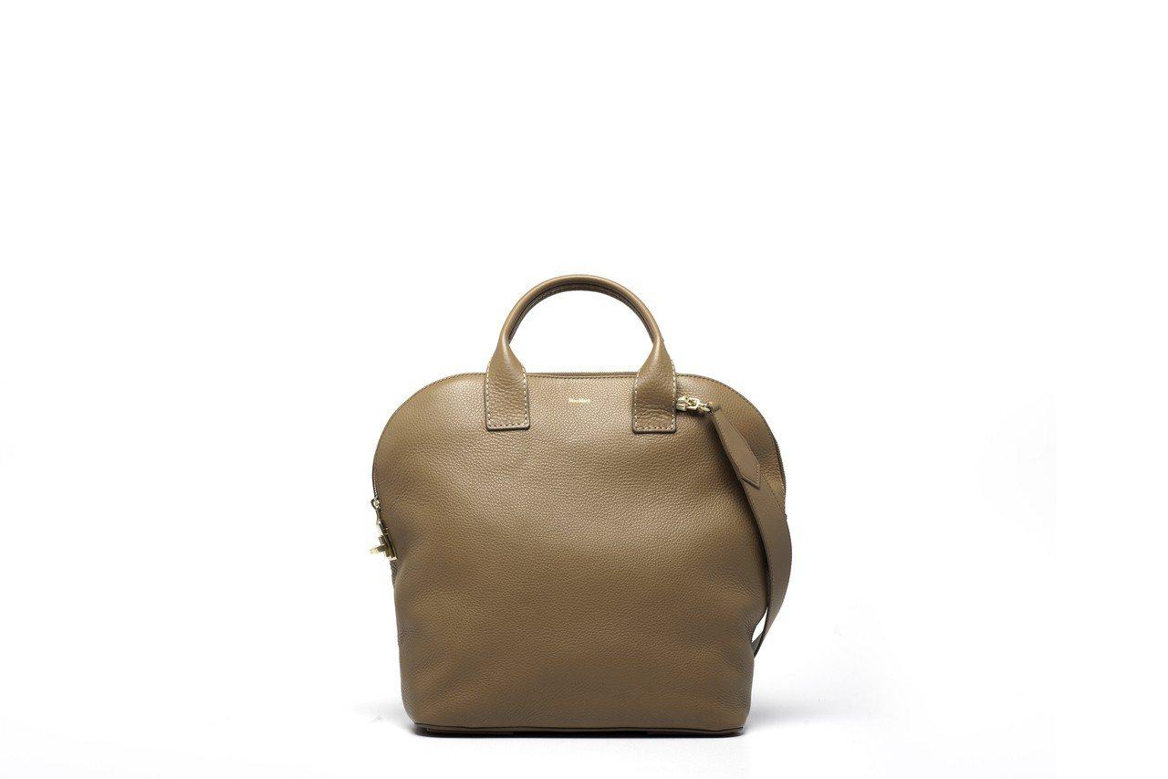 ALI棕色小牛皮包,售價53,300元。圖/Max Mara提供