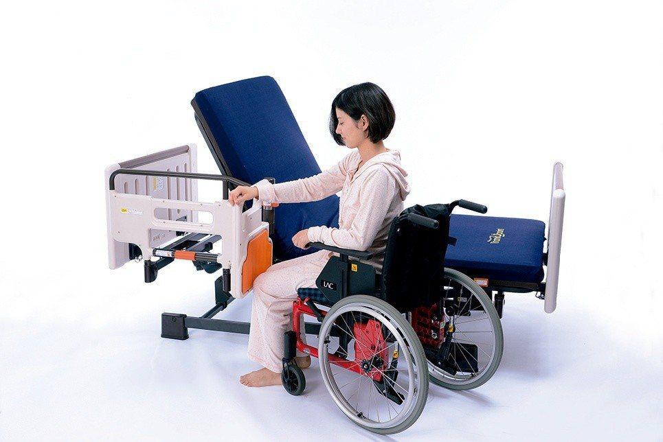 樂齡網加入輔具租賃行列,三馬達電動床也可出租。 圖/樂齡網提供