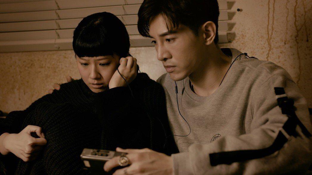方志友(左)、張立昂首次合作就演驚悚恐怖片。圖/TVBS提供