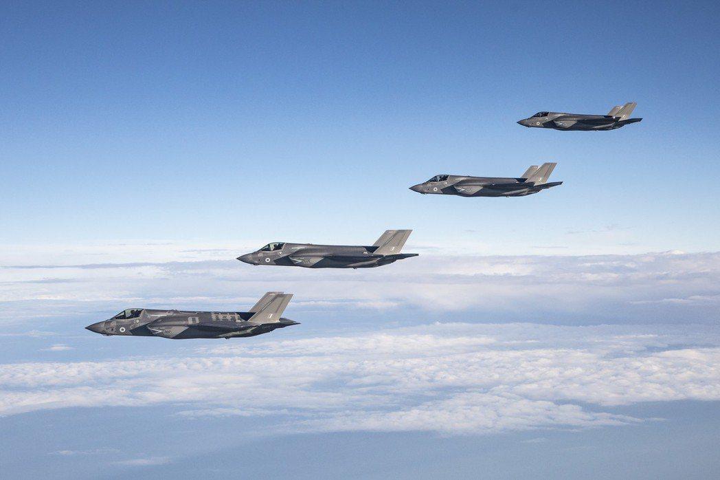 美國軍火商洛克希德馬丁公司製造的F-35B Lightning II超音速戰機是...