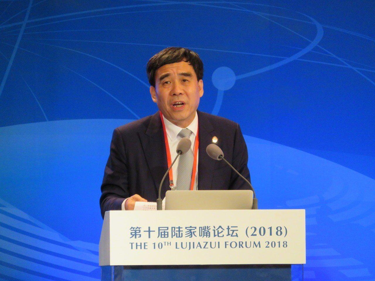 中國建設銀行董事長田國立指出,大陸房地產市場的現況,很容易讓人聯想到當年的日本房...